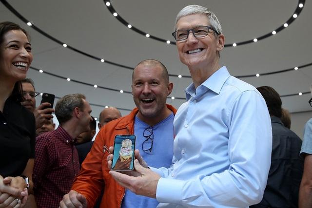 Vẫn là sản phẩm đóng vai trò trung tâm hệ sinh thái, nhưng thế hệ iPhone 2018 khiến nhiều tín đồ không còn cảm thấy hào hứng.