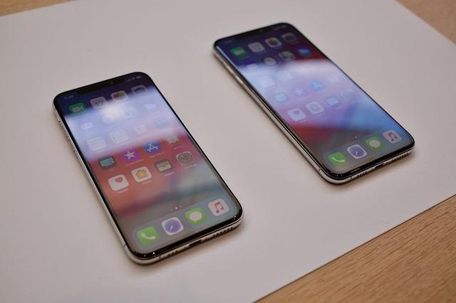 Bộ đôi iPhone XS và XS Max có thiết kế giống nhau, chỉ khác nhau về kích cỡ