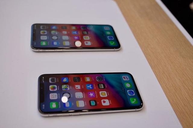 Cận cảnh bộ đôi iPhone XS và XS Max mới ra mắt của Apple - 5