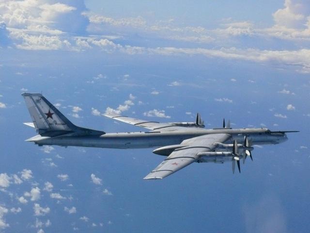 Máy bay ném bom Tu-95 của Nga (Ảnh: Reuters)