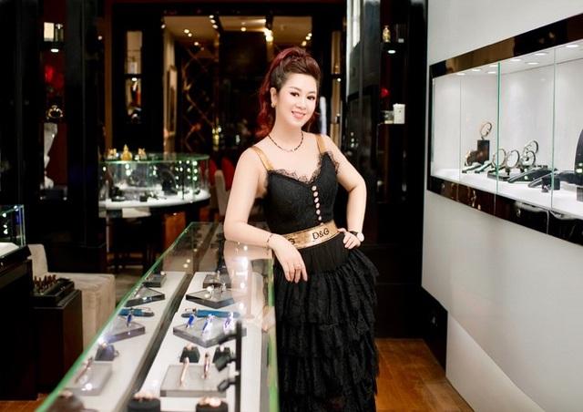 Bà Selena Thanh Thuỷ tại Golden Age.