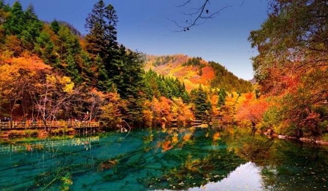 Những chuyến du lịch mùa thu sao có thể bỏ lỡ những điểm đến lãng mạn này - 9