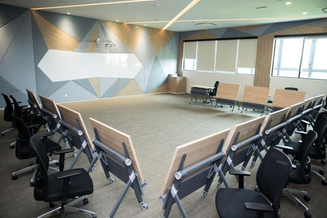 Phòng đa chức năng với các thiết bị công nghệ hiện đại nhằm tối ưu hoá trải nghiệm học tập