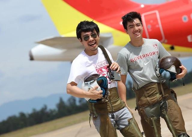 Anh Trần Hồng Quang (bên trái) là một học sinh khóa 2 chương trình Công nghệ giáo dục của GS. Hồ Ngọc Đại.