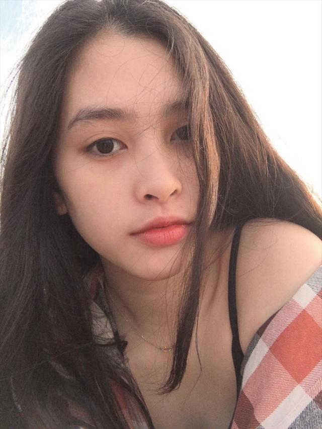 """Nữ sinh """"mặt mộc cũng đẹp"""" lọt vào Chung kết Hoa hậu Việt Nam - 8"""