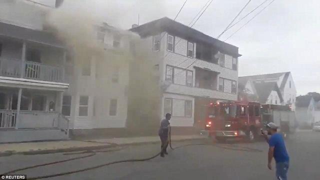 Theo Dailymail, có tới 70 ngôi nhà đã bốc cháy do các vụ nổ gas.