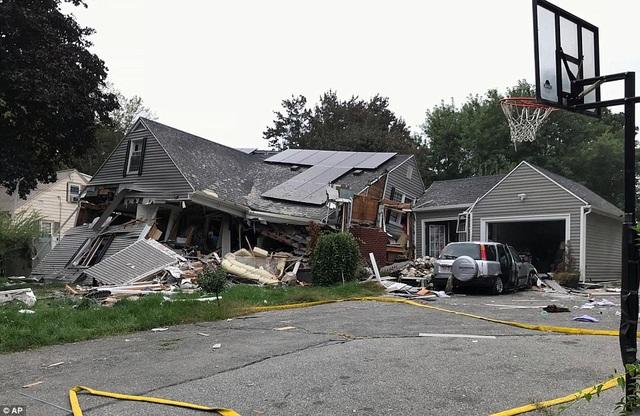 Một ngôi nhà bị phá hủy do nổ gas tại thị trấn Lawrence, bang Massachusetts.