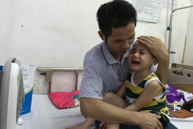 Thương bé trai 4 tuổi đếm từng ngày chờ chết vì bệnh ung thư - 6