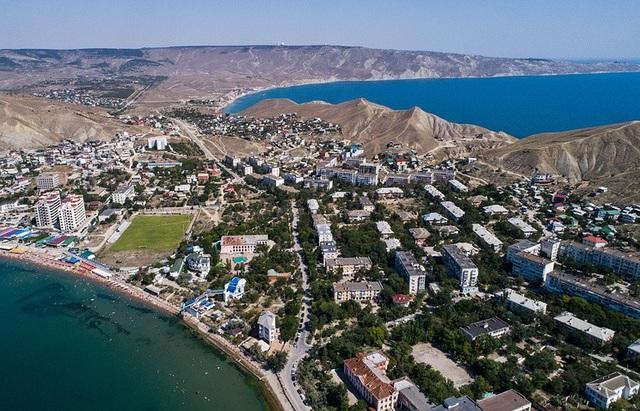 Bán đảo Crimea từ trên cao nhìn xuống (Ảnh: Tass)