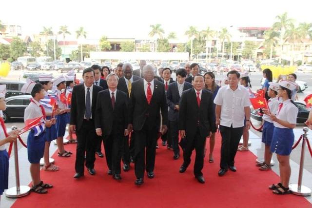 Lãnh đạo 2 nước Việt Nam - Cuba tham dự Lễ kỷ niệm 45 năm ngày lãnh tụ Cuba Fidel Castro tới thăm vùng giải phóng miền Nam Việt Nam