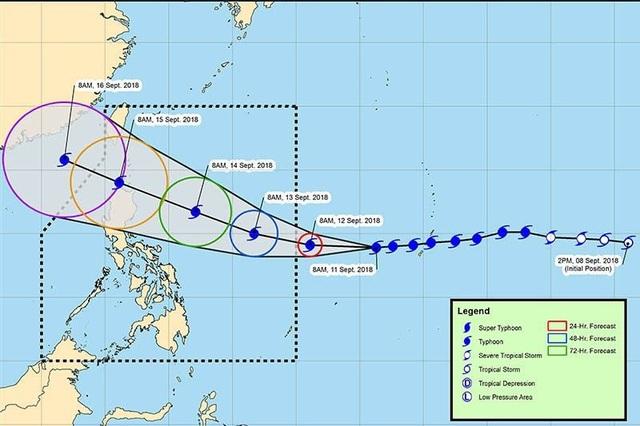 Siêu bão Mangkhut dự kiến sẽ đổ bộ vào đảo Luzon của Philippines vào sáng sớm ngày 15/9. Hiện sức gió của cơn bão này đã lên tới 285 km/h và được dự báo là cơn bão mạnh nhất đổ bộ vào Philippines trong năm nay. Trong ảnh: Đường đi dự kiến của bão Mangkhut trong những ngày sắp tới. (Ảnh: Philstar)