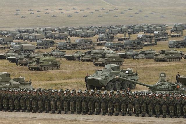 Ngoài các binh chủng của Nga, các đơn vị quân sự của Trung Quốc cũng tham gia cuộc tập trận Vostok-2018. (Ảnh: TASS)