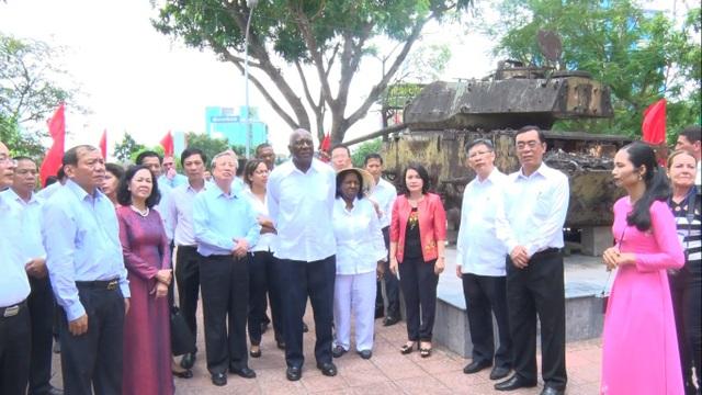 Lãnh đạo 2 nước Việt Nam - Cuba thăm lô cốt, nhà ga Đông Hà - di tích lịch sử nơi Chủ tịch Fidel Castro ghé thăm năm 1973