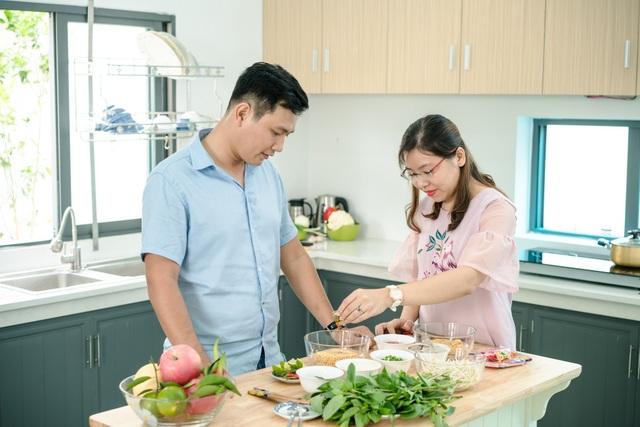Người tiêu dùng hoàn toàn có thể yên tâm khi sử dụng gói gia vị mì ăn liền đã được kiểm soát về các thành phần nguyên liệu