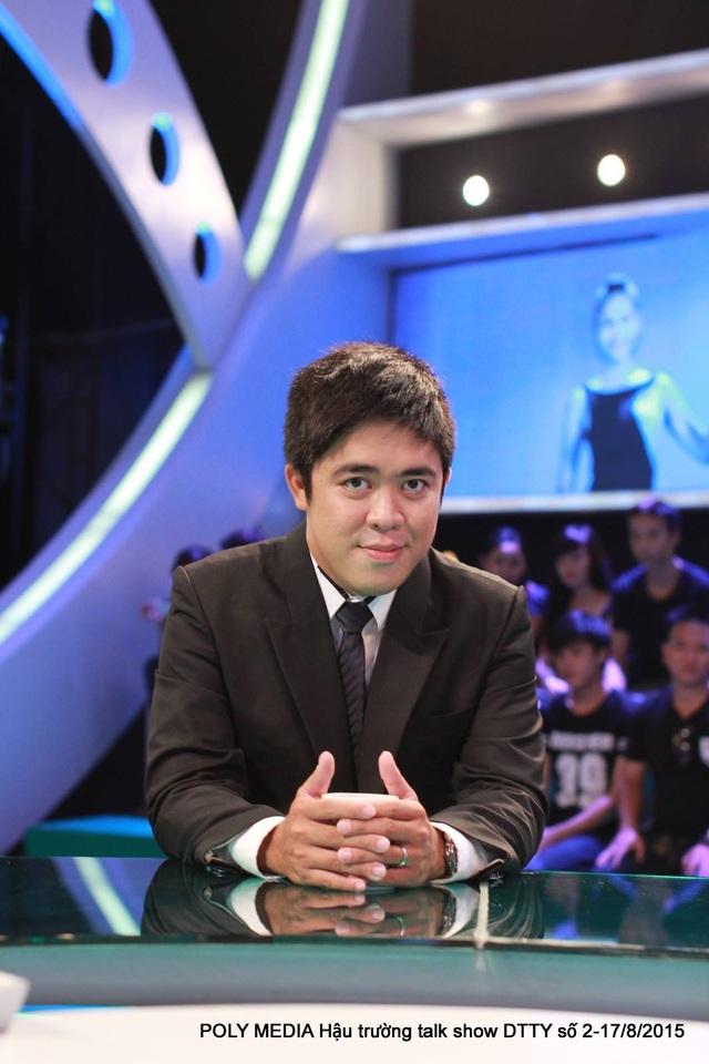 Nhà báo - dịch giả Bình Bồng Bột cũng thường xuyên xuất hiện trong các chương trình bình luận về các trận bóng lớn của Ngoại Hạng Anh, Champion League...trên các kênh K+.