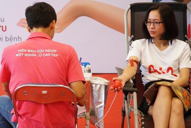 200 Đại lý và nhân viên AIA Việt Nam tham gia hiến máu nhân đạo - 5