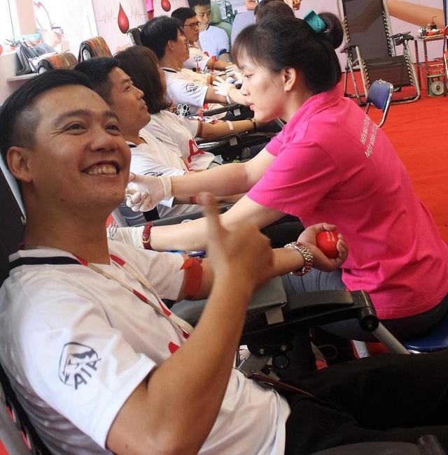 200 Đại lý và nhân viên AIA Việt Nam tham gia hiến máu nhân đạo - 7