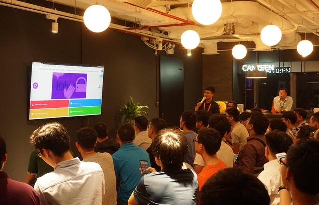 Buổi gặp gỡ đầu tiên của các nhà lập trình viên Việt Nam trong chuỗi sự kiên do LINE tổ chức