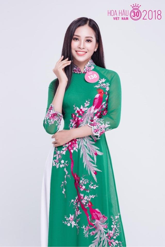 """Nữ sinh """"mặt mộc cũng đẹp"""" lọt vào Chung kết Hoa hậu Việt Nam - 3"""