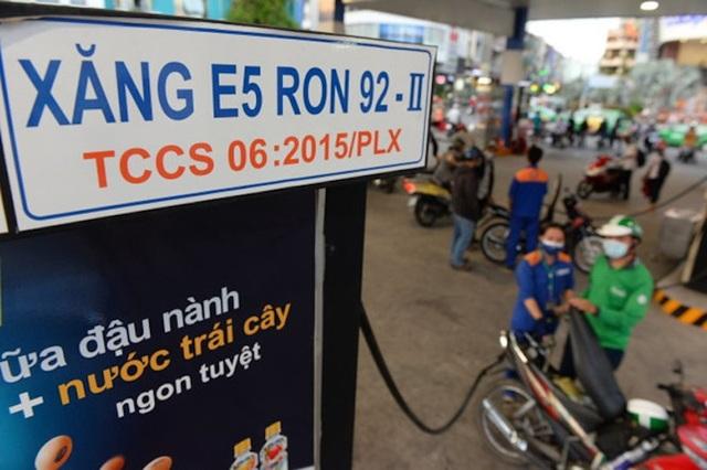 Trong nửa đầu năm 2018, lượng xăng E5 RON92 được tiêu thụ tăng đáng kể.
