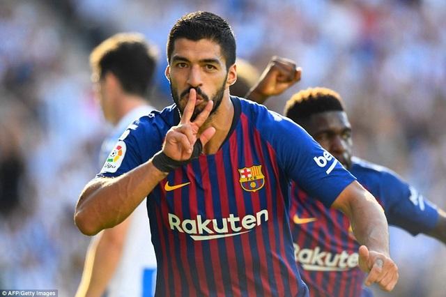Luis Suarez gỡ hòa cho Barcelona ở phút 63...