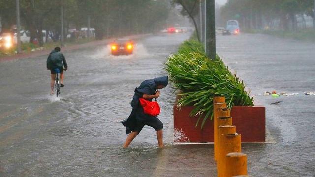 Đường phố ngập lụt tại Philippines do siêu bão Mangkhut (Ảnh: Straitstimes)