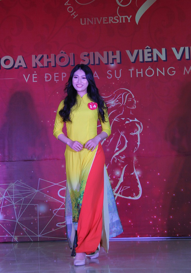 Nữ sinh Hà Nội xúng xính váy áo dự thi Sơ khảo Hoa khôi Sinh viên Việt Nam - 9