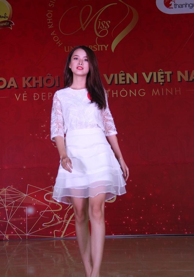 Nữ sinh Hà Nội xúng xính váy áo dự thi Sơ khảo Hoa khôi Sinh viên Việt Nam - 4