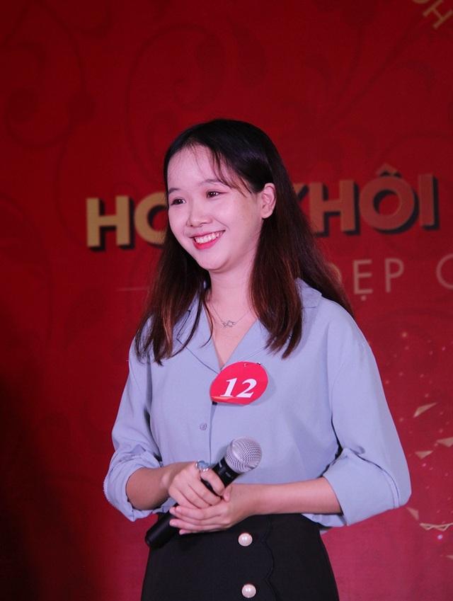 Nữ sinh Hà Nội xúng xính váy áo dự thi Sơ khảo Hoa khôi Sinh viên Việt Nam - 2