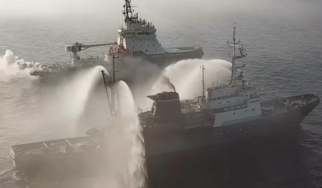 Các tàu chiến Nga tập trận trên biển Bering (Ảnh: BI)