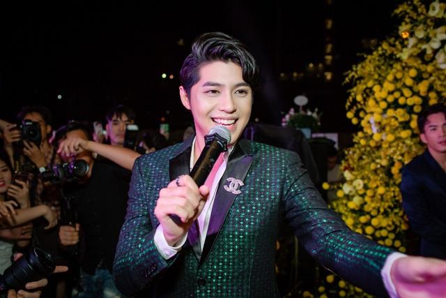 Kết thúc hành trình The Voice - Giọng hát Việt 2018 với chiến thắng xuất sắc của học trò cưng Ngọc Ánh, Noo Phước Thịnh dành nhiều thời gian hơn cho người hâm mộ với các show diễn từ Nam ra Bắc.