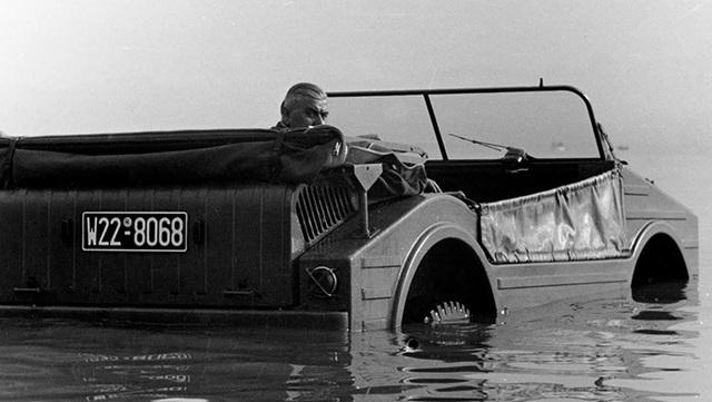 Không phải Cayenne hay Macan, đây mới là mẫu xe địa hình đầu tiên của Porsche - 3