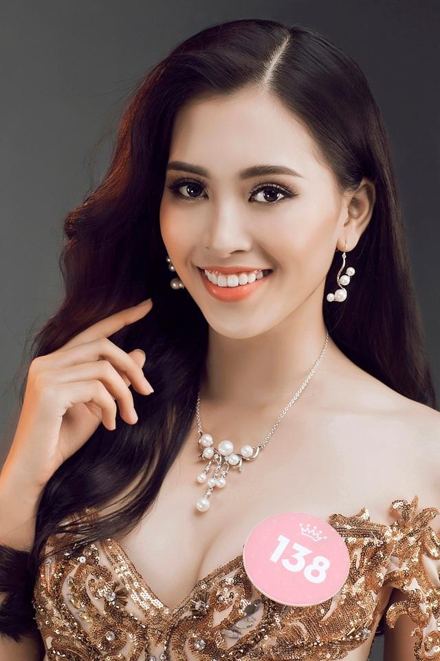 Nhà báo Lê Xuân Sơn nói: Với một viên ngọc mà nói thẳng ra là còn hơi thô một chút, BTC và BGK sẽ cố gắng hết mình để giúp bạn đó ngày càng phát triển mình tốt hơn.
