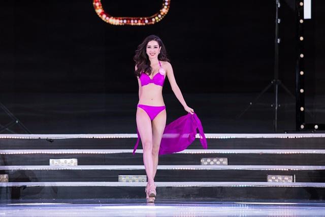 """Màn trình diễn áo tắm """"đốt mắt"""" người xem của Hoa hậu Việt Nam - 8"""