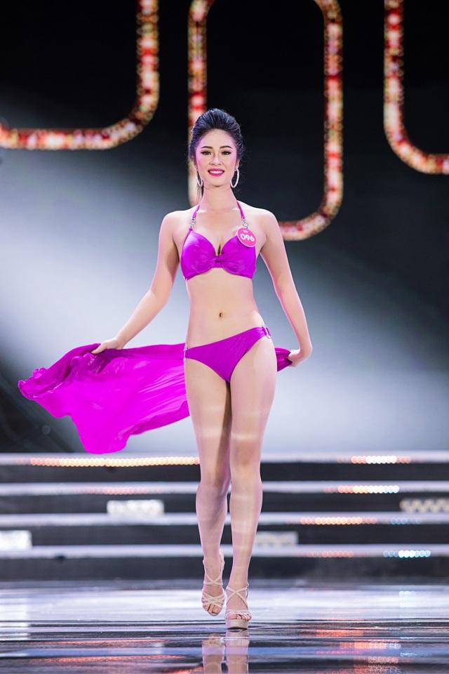 """Màn trình diễn áo tắm """"đốt mắt"""" người xem của Hoa hậu Việt Nam - 7"""