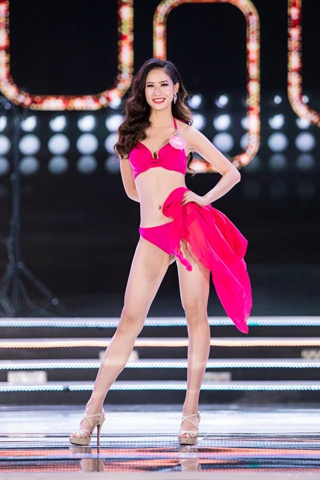"""Màn trình diễn áo tắm """"đốt mắt"""" người xem của Hoa hậu Việt Nam - 2"""