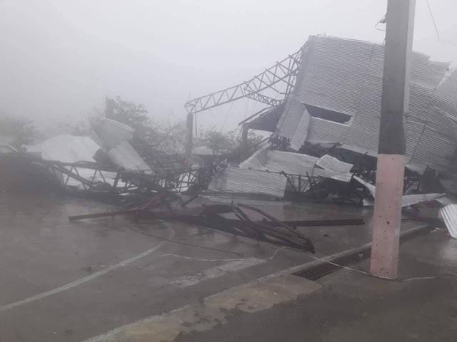 Bão Mangkhut đã tạo thành những đợt sóng cao tới 6m ở các khu vực ven biển của Cagayan. Sau khi đổ bộ vào Philippines, cường độ của bão đã giảm. (Ảnh: Reuters)