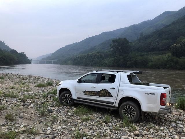 Đỉnh thứ 3 của hành trình: Đồn biên phòng Lũng Pô, nơi con sông Hồng đổ vào đất Việt.
