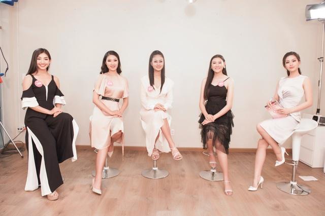 """Ba ứng viên được đề cử """"Người đẹp truyền thông"""" Hoa hậu Việt Nam 2018 - 2"""