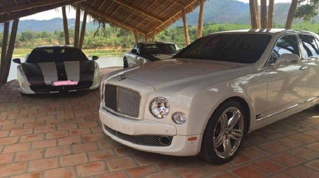 Ông Đặng Lê Nguyên Vũ còn có niềm đam mê đặc biệt với các dòng xe sang như Rolls - Royce Phantom, Bentley Mulsanne.