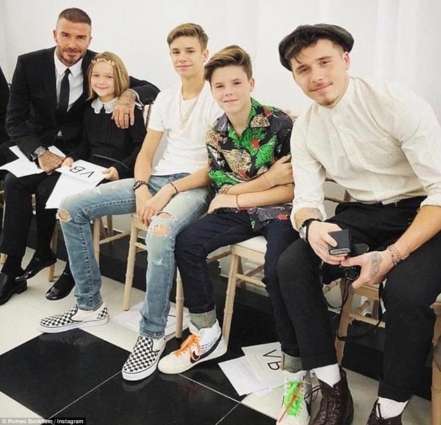 Cả gia đình Beckham tới cổ vũ, động viên cô