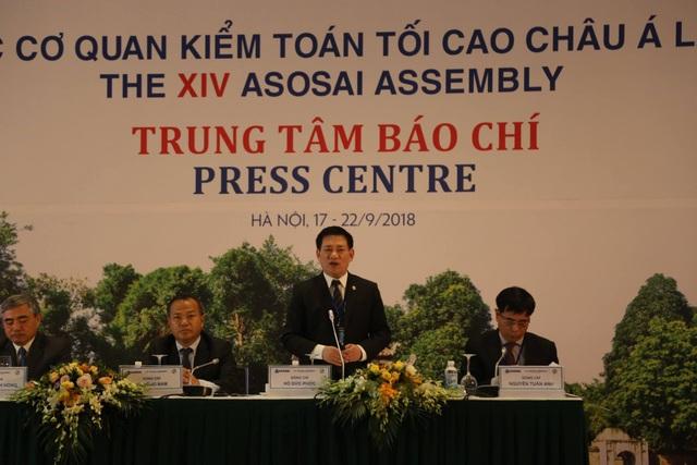 Tổng Kiểm toán Nhà nước trả lời tại buổi họp báo trong khuôn khổ Đại hội ASOSAI 14.
