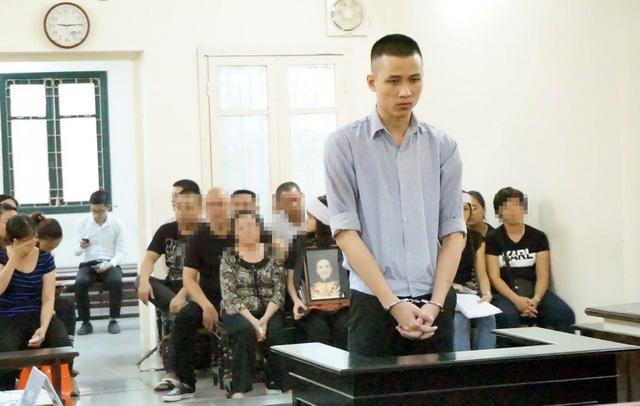 Phạm Thanh Tùng khai báo trước tòa.