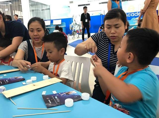 Phụ huynh có thể hợp tác với nhà trường trong nhiều hoạt động giáo dục trẻ