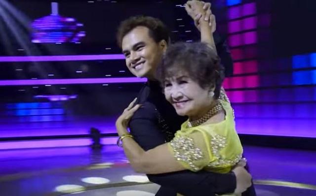 Trổ tài nhào lộn điêu luyện bằng một vũ điệu trên nền nhạc Mambo sôi động, bà Dung khiến...