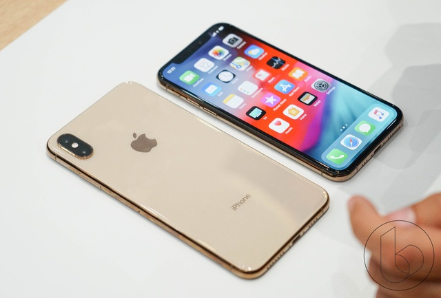 iPhone XS Max sắp về, giá iPhone chính hãng giảm mạnh