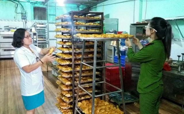 Đoàn ATTP tiến hành kiểm tra các cơ sở làm bánh Trung thu trên địa bàn tỉnh Gia Lai