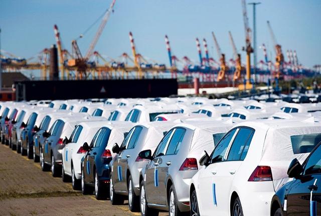 Xe nhập khẩu đổ về VN trong tháng 8,9