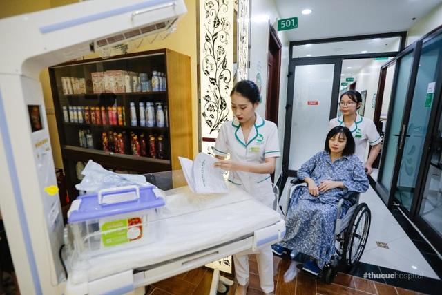 """Chị Dương chia sẻ: """"Mình hoàn toàn bất ngờ và hài lòng với cách phục vụ của các bạn nhân viên ở đây"""""""