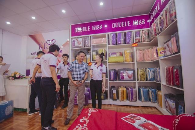 Ngày hôm nay, như một bước chuyển mình mới, X20 hướng tới việc chăm sóc giấc ngủ của mỗi gia đình Việt thông qua sản phẩm chăn ga gối mang nhãn hiệu Double Kiss.